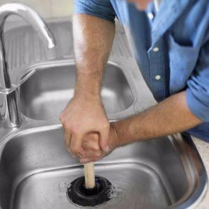 Проблемы в ванной комнате: как устранить протечки и засоры