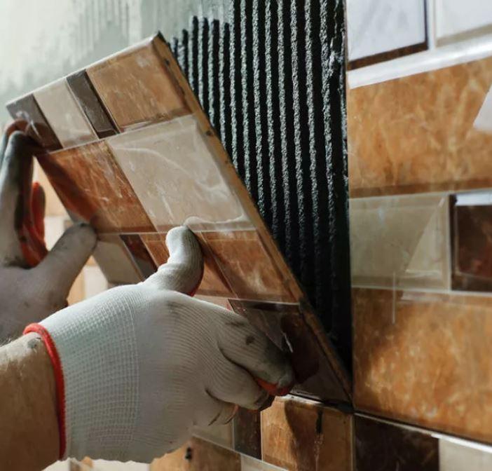 Как заменить поврежденную плитку правильно и быстро