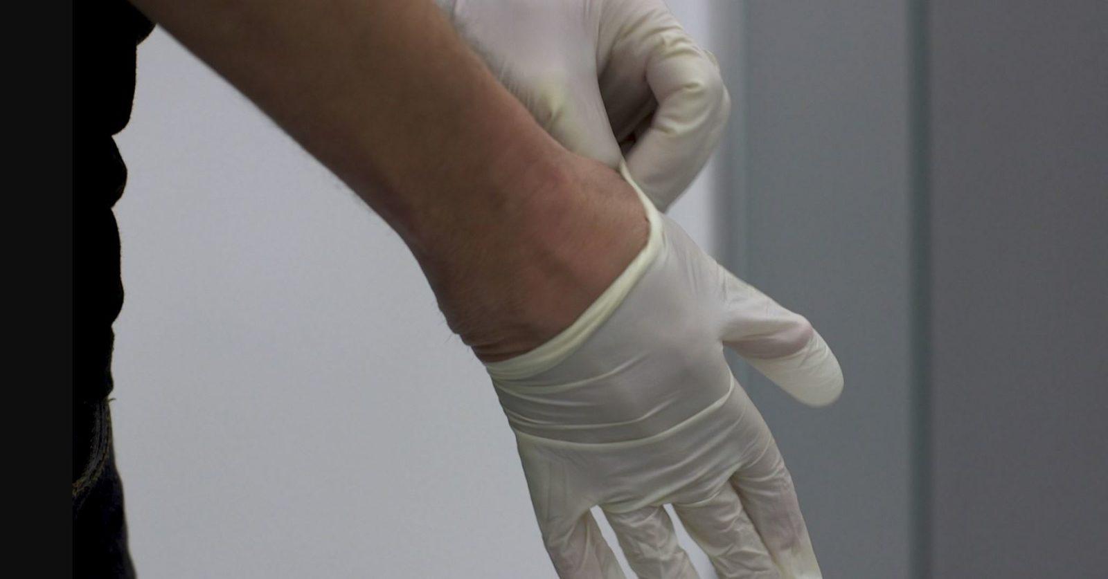 Как правильно нанести герметик в ванной комнате