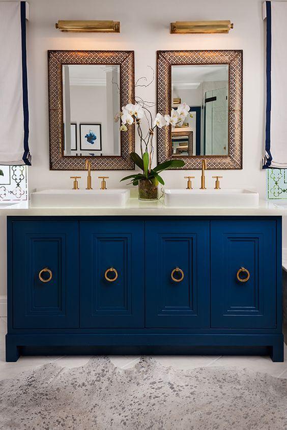 Синие оттенки в дизайне ванной комнаты