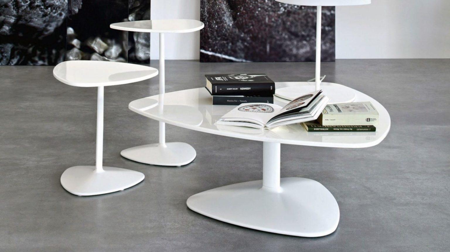 Журнальный столик 2021: формы, цвета, материалы