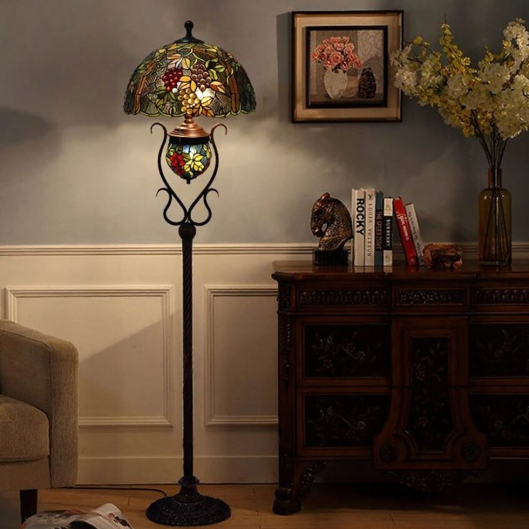 Торшеры: стиль, тип освещения, формы, материалы и цвет