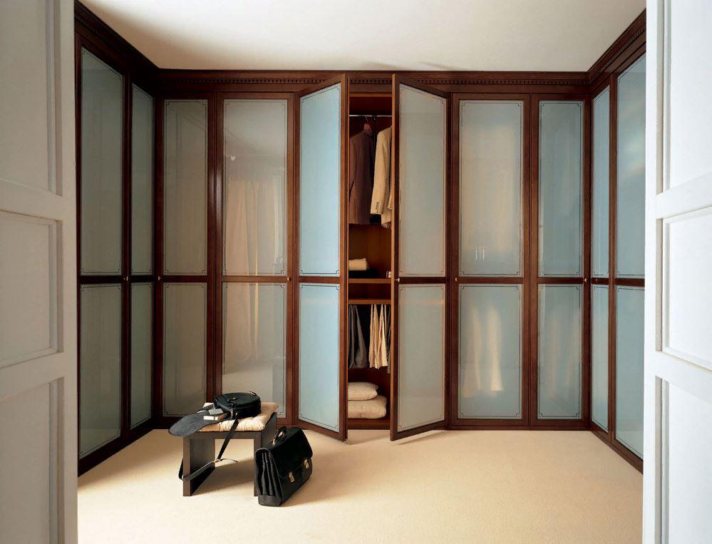 Как выбрать складные двери